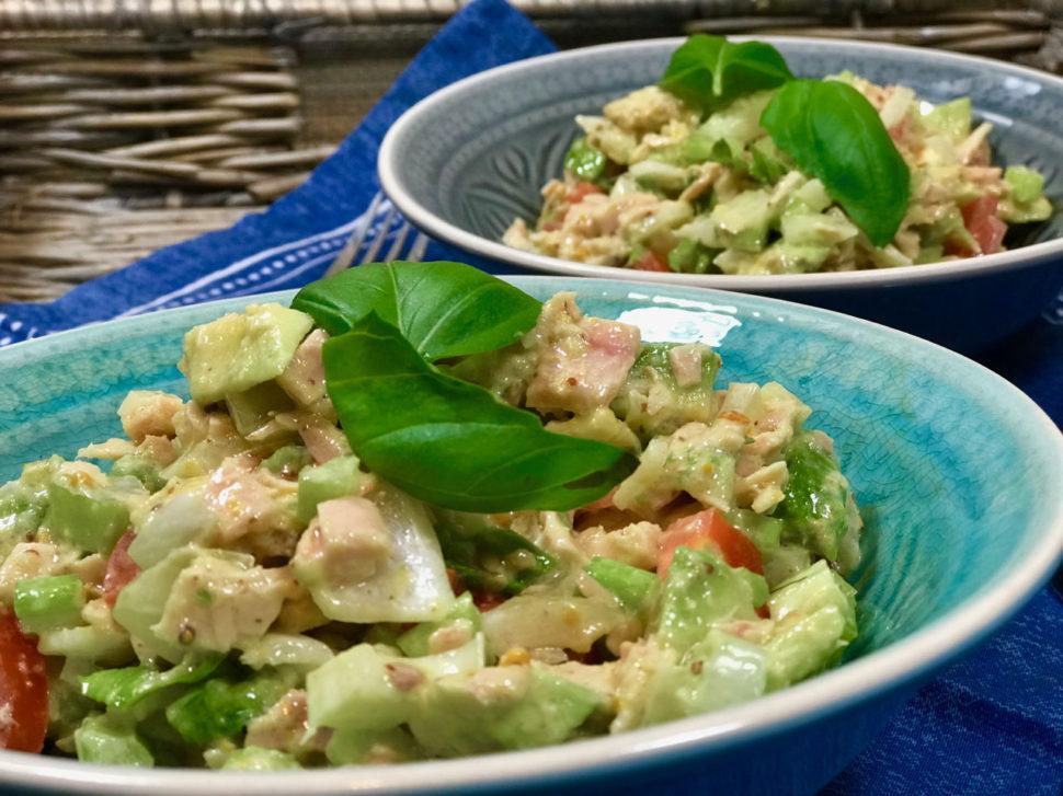 Zeleninový salát s tuňákem - jak zhubnout v menopauze