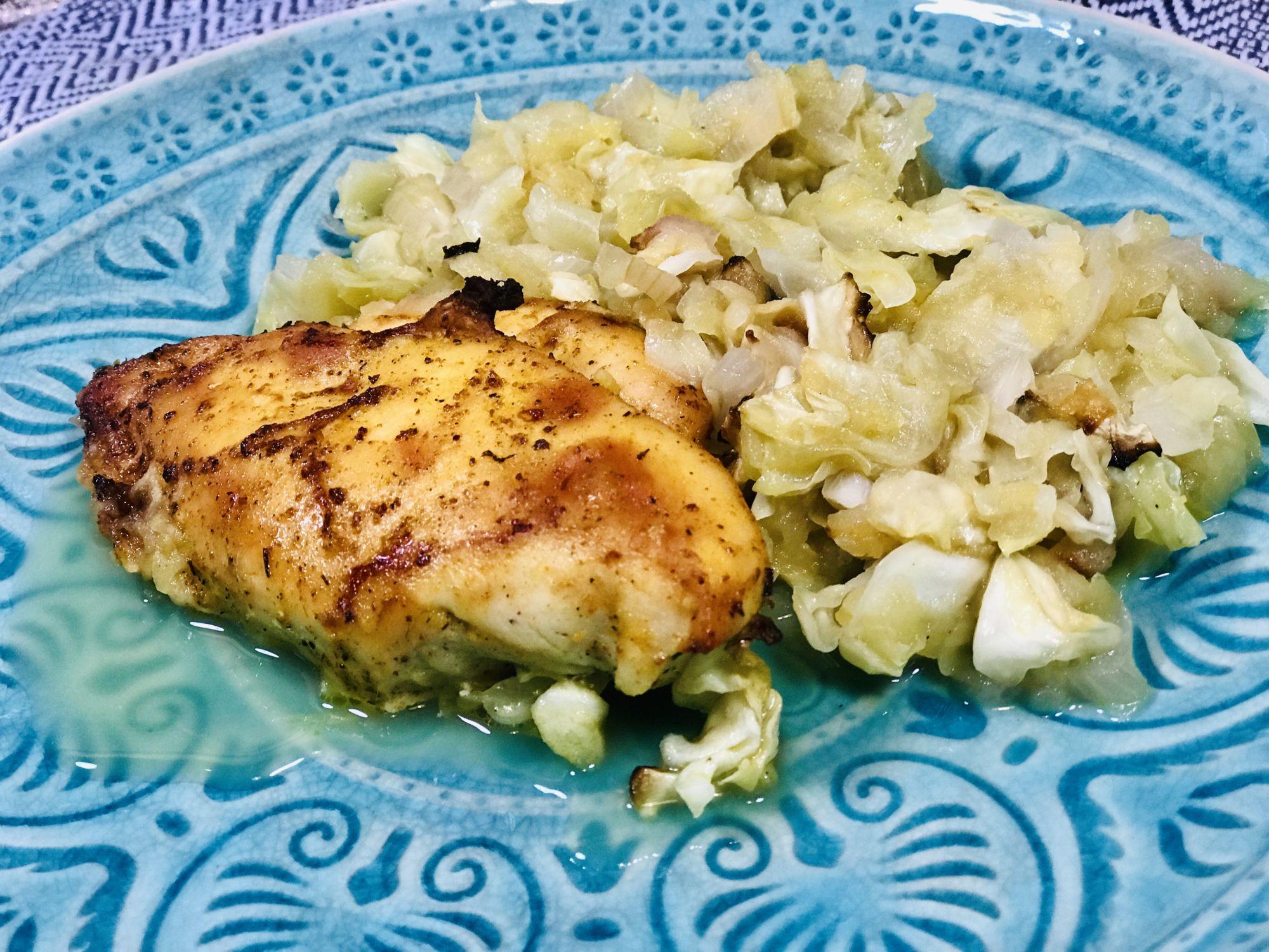 Jablečné zelí spečeným kuřetem - jak zhubnout vmenopauze