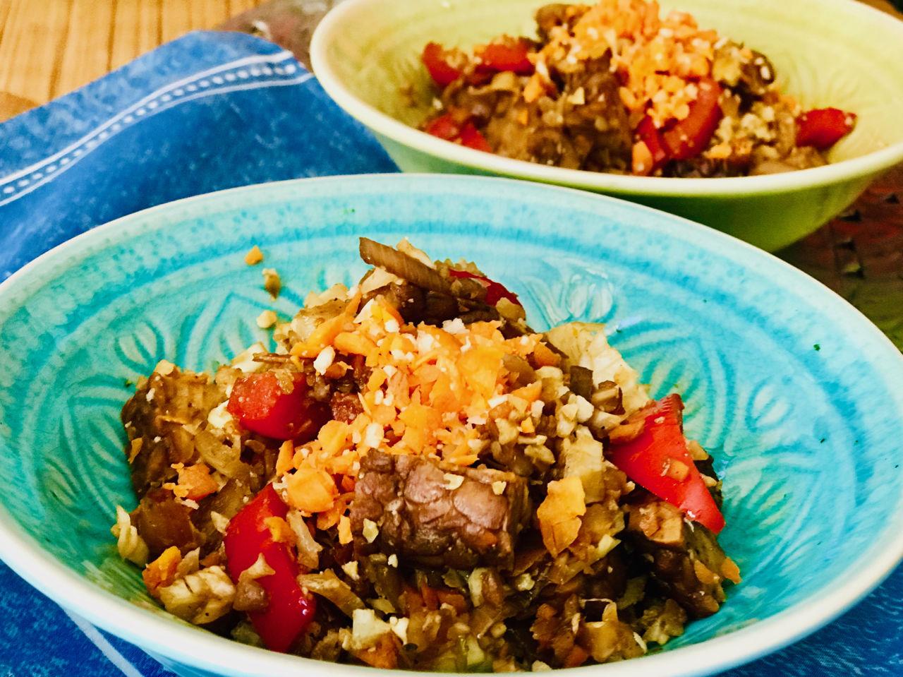 Uzený tempeh skvětákovou rýží, recepty podle Metabolic Balance