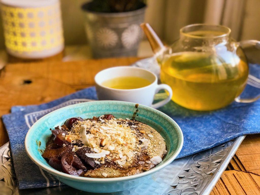 Žitná kaše ze semínkového mléka, horké švestky. Vyzkoušejte recepty nahubnutí Perfec Balance. Vhodné pro program Metabolic Balance